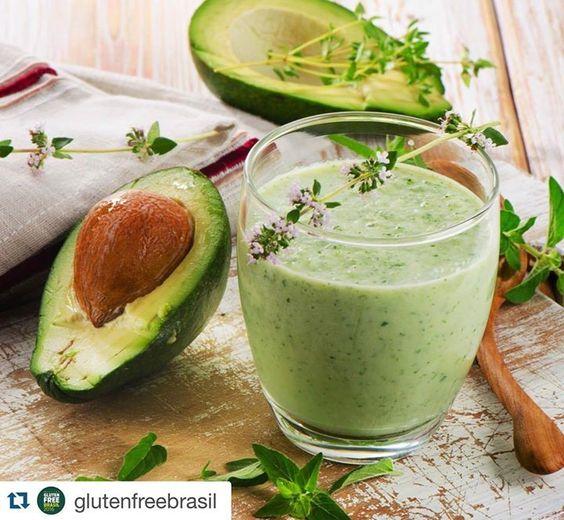 #Repost @glutenfreebrasil with @repostapp.  Experimente realizar a Vitamina saúde cardiovascular: Ingredientes 1 copo (150ml) de bebida vegetal de coco  abacate maduro 1 colher (sopa) de semente de chia 1 colher (sopa) de biomassa de banana verde Modo de preparo: bata todos os ingredientes no liquidificador e sirva em seguida. #Receita #GF2016 #Vitamina by marcianevesbio http://ift.tt/1RhQYW2