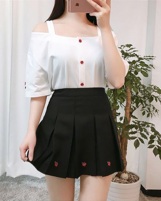 Rose Flower Off-Shoulder Tee   Ulzzang fashion, Cute skirt outfits, Fashion