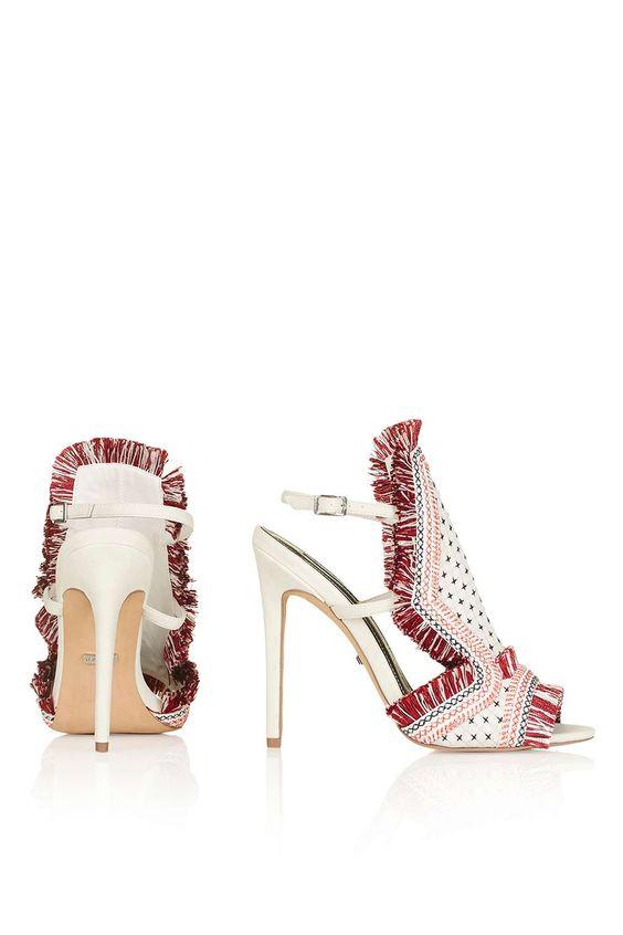 ROCOCO Schuhe mit Stickerei