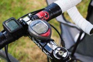 Welchen #Fahrradcomputer-mit-Herzfrequenz kaufen? Hier bekommst du Tipps mit welchen #Radcomputer du deinen #Puls am besten messen kannst.