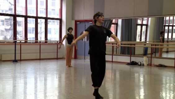 Footage of Birmingham Royal Ballet's early studio rehearsals for Enigma Variations. Joseph Caley and César Morales rehearse Troyte's energetic solo.