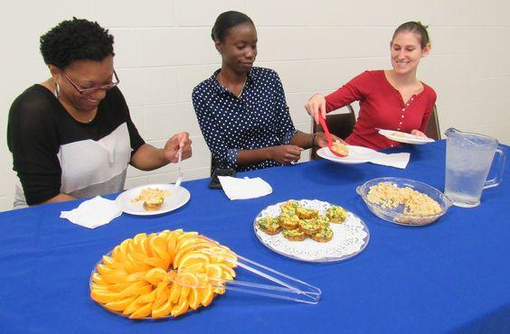 The Family Nutrition Program enjoying a healthy breakfast celebrating National Dine In Day!!  #FCSdayFL #Healthyfamselfie