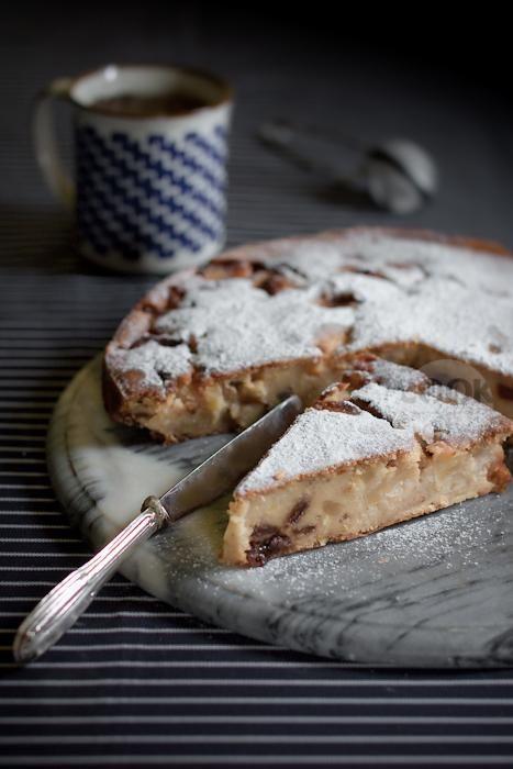 torta con farina di mais mele e uvetta e un nome malizioso. Cook and the City…
