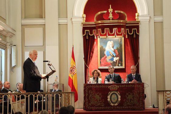 """El Rey Felipe VI asiste a la conferencia """"Un pabellón naval para España"""". Real Academia de Historia. 03-06-2016"""