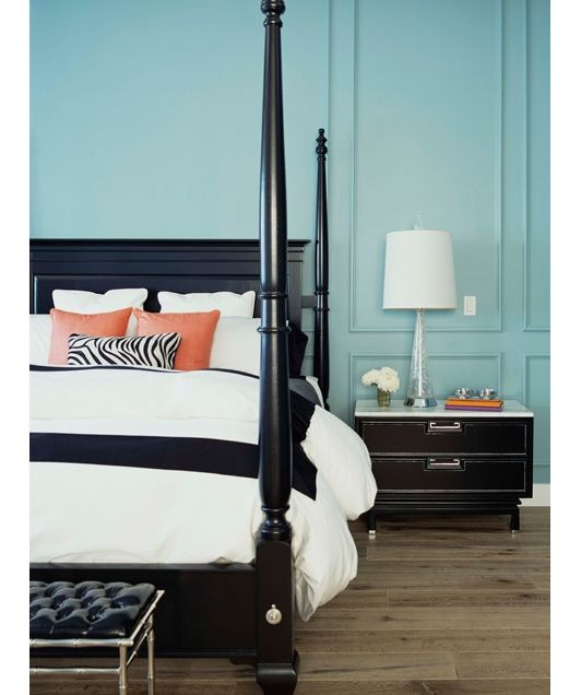 Bedroom Decorating Ideas: Return the Compliment - Home and Garden Design Ideas