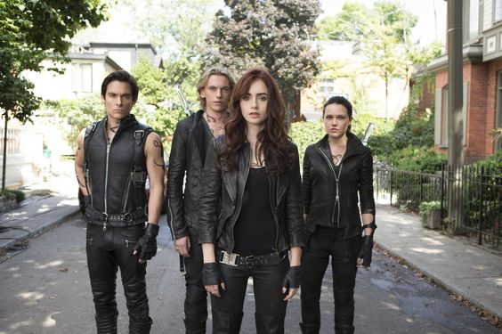 the mortal instrument clothes | Bilder: Chroniken der Unterwelt - City of Bones | The Mortal ...
