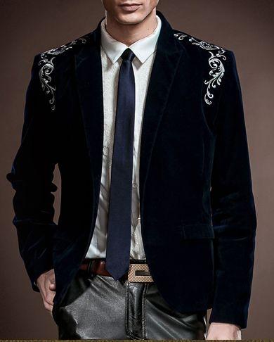 Who doesn't look great in Dark Blue Velvet?