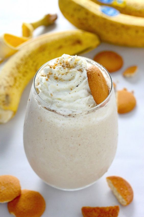Healthy Banana Cream Pie Smoothie - thick, creamy, and tastes just like a slice of pie! We love this!