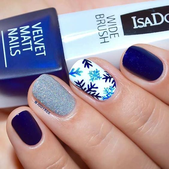 How to Try Navy Blue and Silver Snowflake Design?