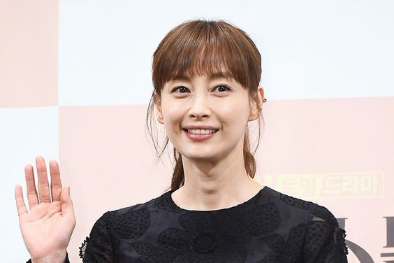 Lee Na Young Talks About Her First Drama In 9 Years And Support From Husband Won Bin