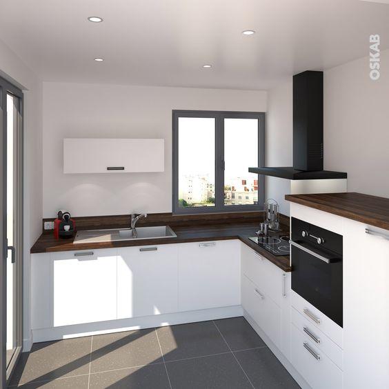 mini cuisine quipe blanche de style classique implantation en l plan de travail en