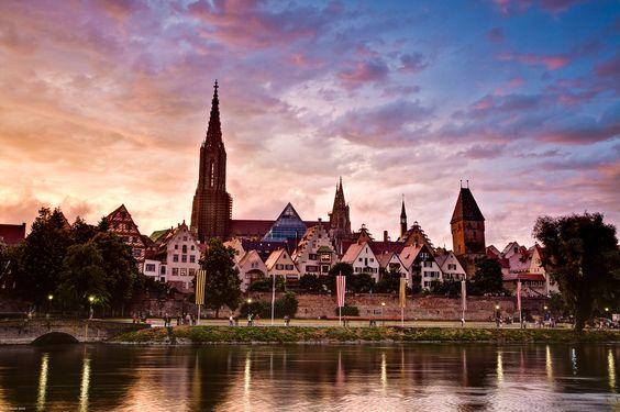 View of Ulm at dawn. More http://www.ulm-kalender.de/bilddatenbank/index.php?/category/41