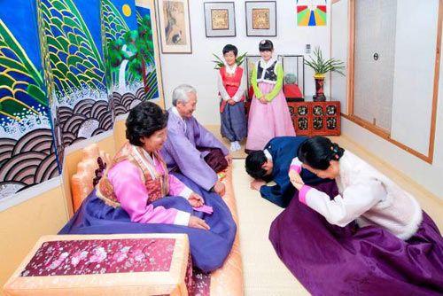 Người Hàn Quốc rất coi trọng nghi lễ với người cao tuổi
