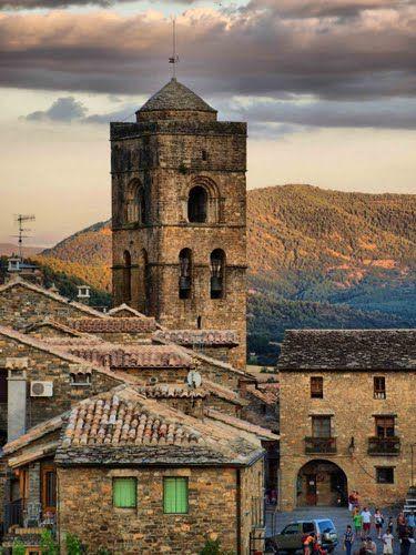 Torre de la Iglesia de Santa María Ainsa  Huesca  Spain