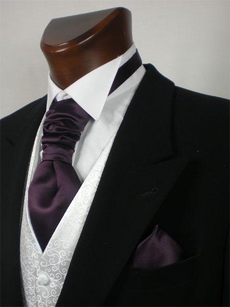 aubergine cravat & hankie