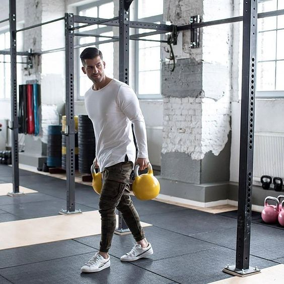 💪🏻 Gym Style: Kosta Williams (@kosta_williams) do blog The Modern Man ●● #GymStyle #KostaWilliams #GBlovers #GBinspira #ModaMasculina #BlogGossipBoy #TheModernMan #MusoReal #CrushReal #SummerStyle #BelezaMasculina #StreetStyle #HomemdeEstilo #Fashion #Menswear #Snapsave #OOTD #Blogs #TipoDeuso #GB GB❤    Curta Gossip Boy no Facebook! 💻: