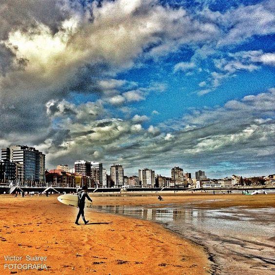 En Semana Santa también hay playa #gijon #asturias #turismo - @Victor Suárez- #webstagram