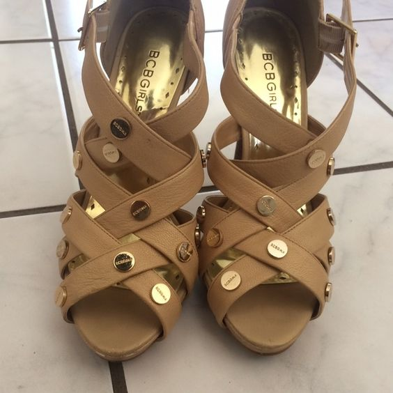 BCBG Girls Dimitria Shoe Color/Material: Washed Gold; Pearl Washed Leather. Size 8M. Only used twice. BCBGirls Shoes