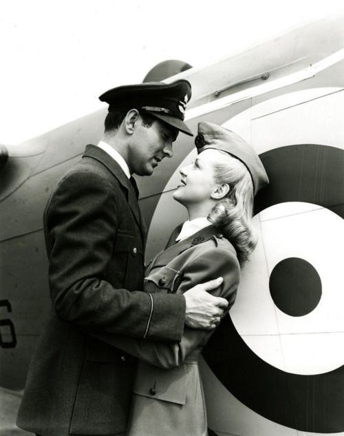 Tyrone Power, Betty Grable, vintage, A Yank in the R.A.F., 1941.