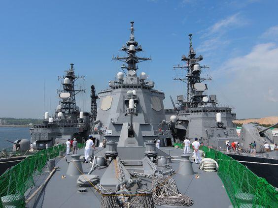 艦首から撮影した護衛艦