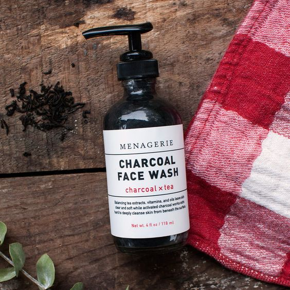 Charcoal Face Wash // Activated Charcoal + Tea Extracts  #naturalskincare #activatedcharcoal #greenbeauty