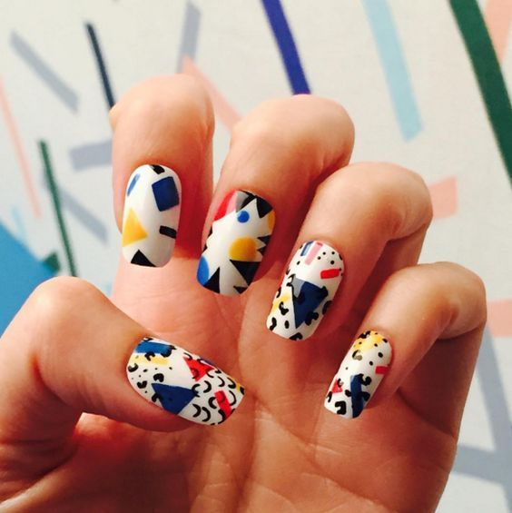 I Love This Graphic 80 S Inspired Manicure Retro Nails 80s Nails Nail Patterns