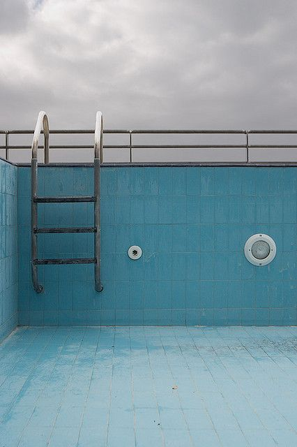 Empty spaces percy jackson and sun on pinterest for Empty swimming pool
