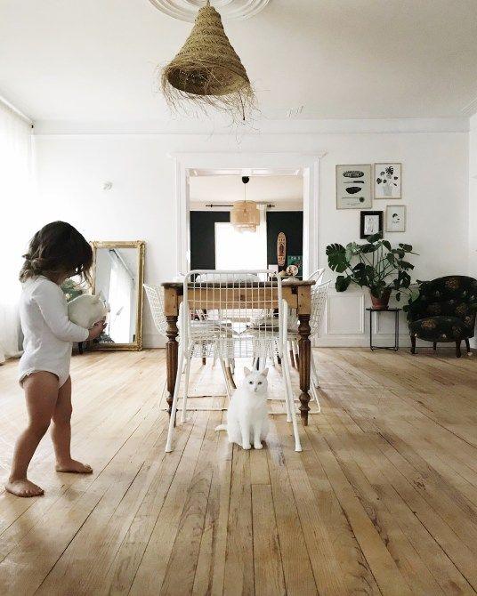 Renovation D Une Maison Ancienne Une Salle A Manger Rustique Et Boheme Rustic And Bohemian Living Room Sallon Salle A Manger Maison Meuble De Cuisine Ikea