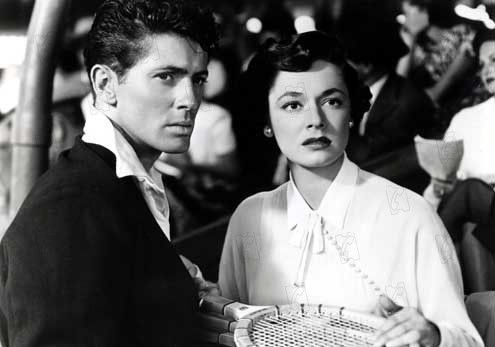 Strangers On A Train (1951) - Farley Granger and Ruth Roman:
