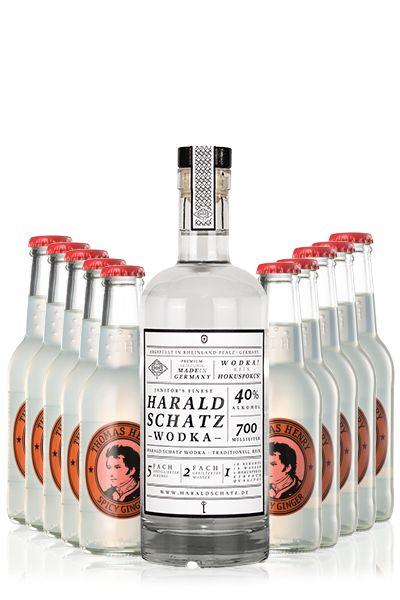 Dieser Drink ist so gut, dass durch ihn Vodka in den Staaten salonfähig geworden ist. Dabei ist das Rezept denkbar simpel: Eis ins Glas bzw. die Kupfertasse - Zwei Limettenschnitze reinpressen - Ein Teil Vodka - Drei Teile Spicy...