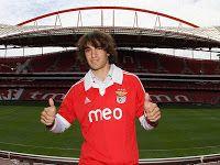 Markovic é a primeira baixa da época no Benfica