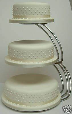 floating cake stand wedding cakes wilton s floating tier cake stand creates this same effect 4102