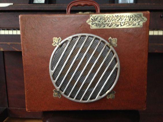 Vintage Suitcase Guitar Amplifier #Vox