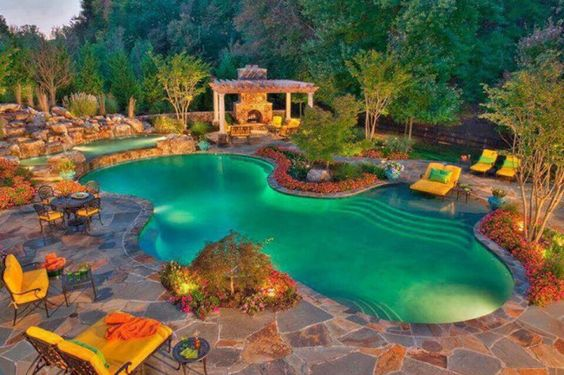 #LuxuryHome #Rich #Luxurious #Glamorous #Pool #Landscaping