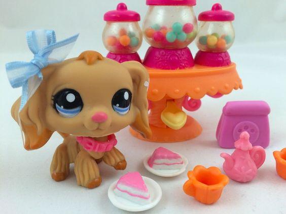 Littlest Pet Shop RARE Tan Cocker Spaniel #1716 w/Candy Dispenser & Accessories #Hasbro