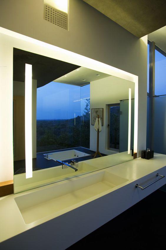 Iluminação funcional e cênica para o banheiro...