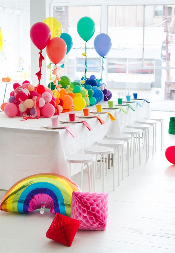 A rainbow baby shower oh happy day parties for Balloon decoration ideas pinterest