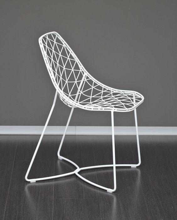 Stuhl weiß Metall.