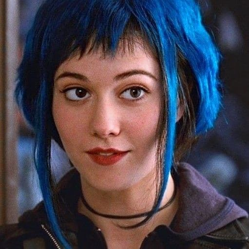 Ramona Flowers Scott Pilgrim In 2020 Ramona Flowers Mary Elizabeth Winstead Blue Hair