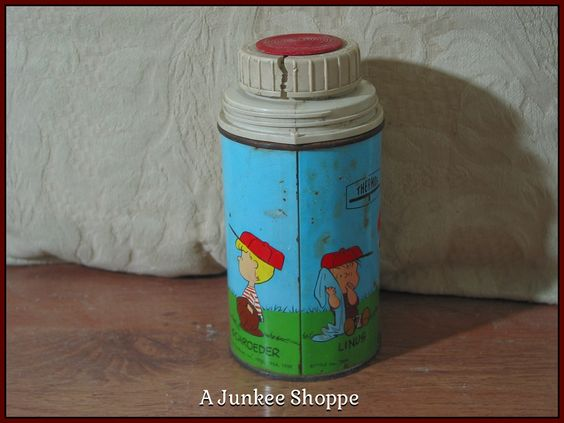 PEANUTS 1959 Thermos Damaged Charlie Brown Snoopy Lucy Linus No Lunchbox Used Junk 942  http://ajunkeeshoppe.blogspot.com/