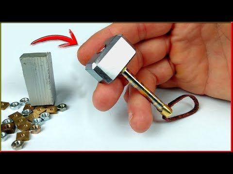 Llavero Joya Martillo De Thor Con Chatarra Y Tornillos Youtube Martillo De Thor Artilugios Y Artefactos Mini Cosas