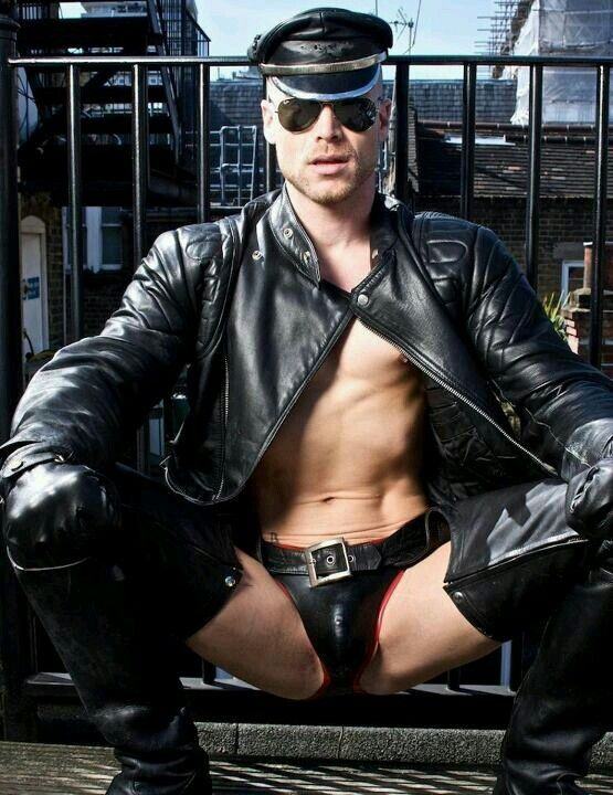 muscle leather men