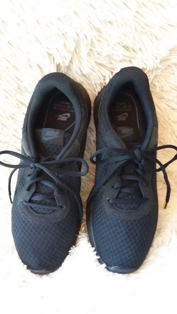 Nike Black Tennis Shoe youth boys size