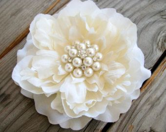26 Wedding Ivory Large Flower Bridal Fascinator Ivory Hair Piece Flower Hair Clip Ivory Peony Rhinestone Pearls Head Piece Brooch Cake Topper