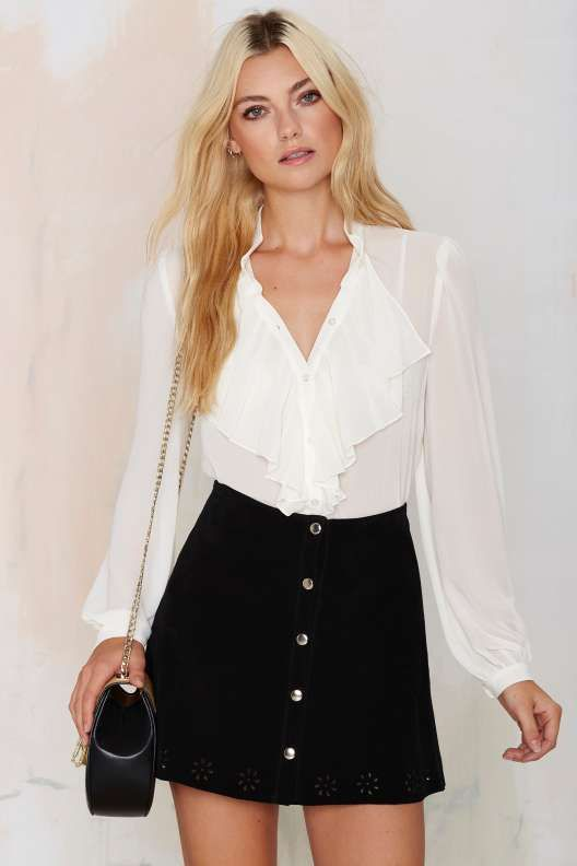 50 Ruffle Blouses Trending This Spring outfit fashion casualoutfit fashiontrends