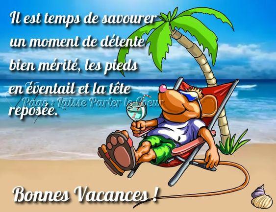 Il est temps de savourer un moment de détente bien mérite, les pieds en éventail et la tête reposée. Bonnes Vacances ! #vacances plage mer cocktail detente souris chaise longue