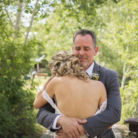 I'd be lying if I said I wasn't crying too  First looks are the best I love capturing these moments!  . . . . #ampbridetribe #coloradowedding #coloradoweddingphotographer #coloradoengagement #grandjunction #westslopebestslope #grandjunctionphotographer #ouray #ouraywedding #telluride #telluridewedding #crestedbutte #crestedbuttewedding #weddingphotography #weddinginspo #weddinginspiration #weddingplanning #glenwoodsprings #glenwoodspringswedding #vailvillage #vailwedding #smpweddings…