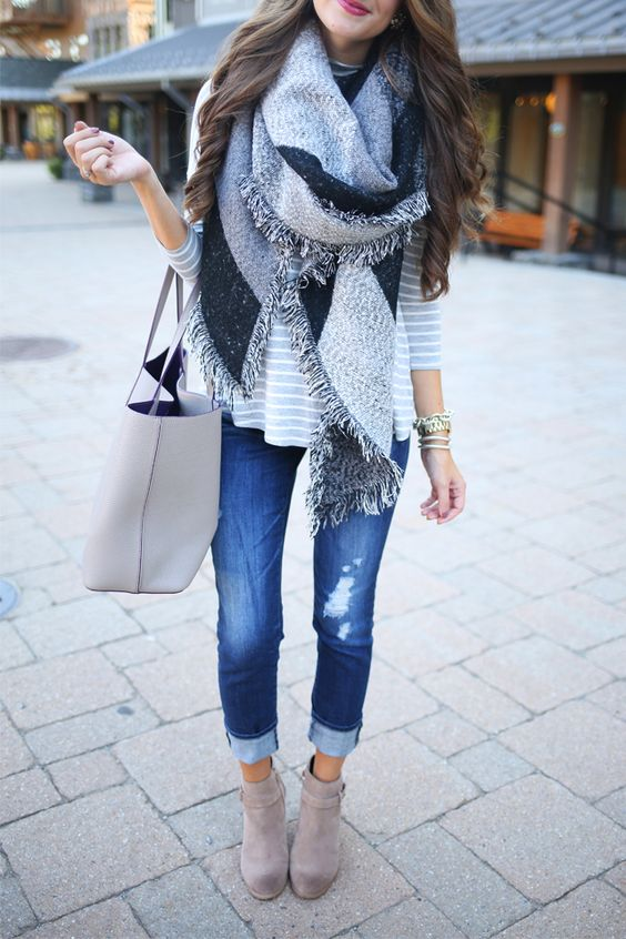 Striped shirt, skinny jeans, blanket scarf, booties.