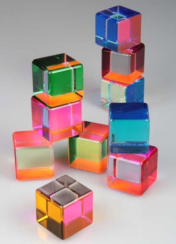 Vasa acrylic block sculpture sculpture vases and fun for Acrylic glass block