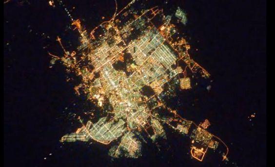Alucinante! un vídeo creado con miles de fotografías de las luces de las ciudades más importantes del mundo, capturadas desde la Estación Espacial Internacional!